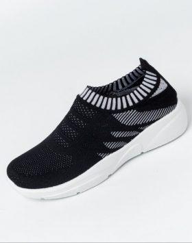 Sepatu Slip On Wanita Rajut Warna Hitam 1