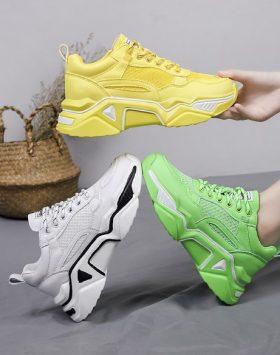 Sepatu Sneakers Wanita Terbaru