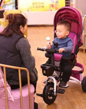 Stroller Bayi Lipat Multifungsi Terbaik