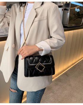 Sling Bag Wanita Rantai Terbaru Import