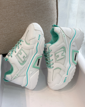 Sneakers Wanita Sepatu Casual Terbaru