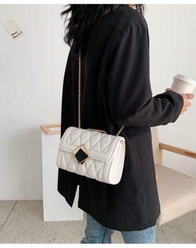 Tas Sling Bag Wanita Remaja Rantai Panjang