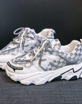 Sepatu Sneakers Fashion Wanita Kekinian