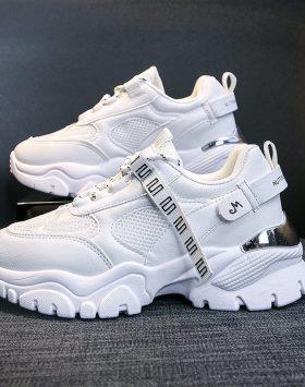 Sepatu Sneakers Wanita Fashion Warna Putih