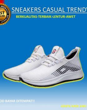 Sepatu Pria Sneakers Sport Warna Putih Kekinian