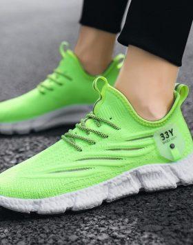 Sepatu Casual Sneakers Olahraga Pria Trend
